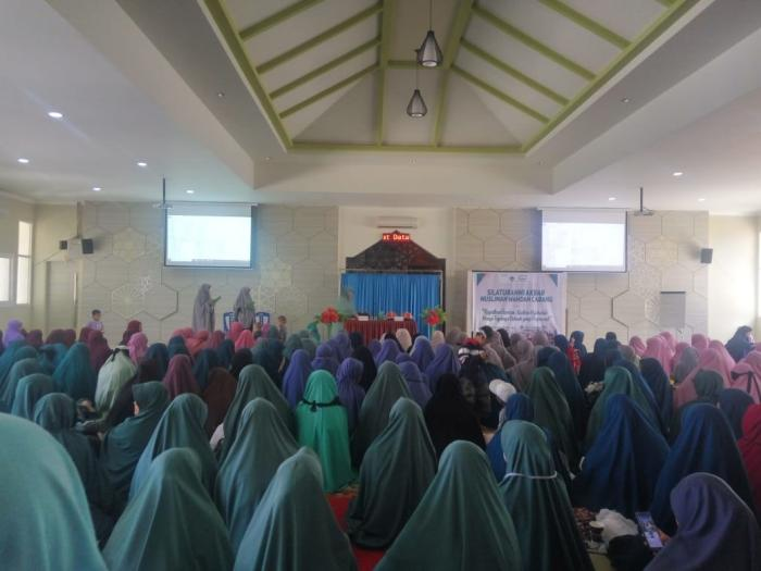Muslimah Wahdah Cabang Se-Makassar Hadiri Silaturahim Akbar
