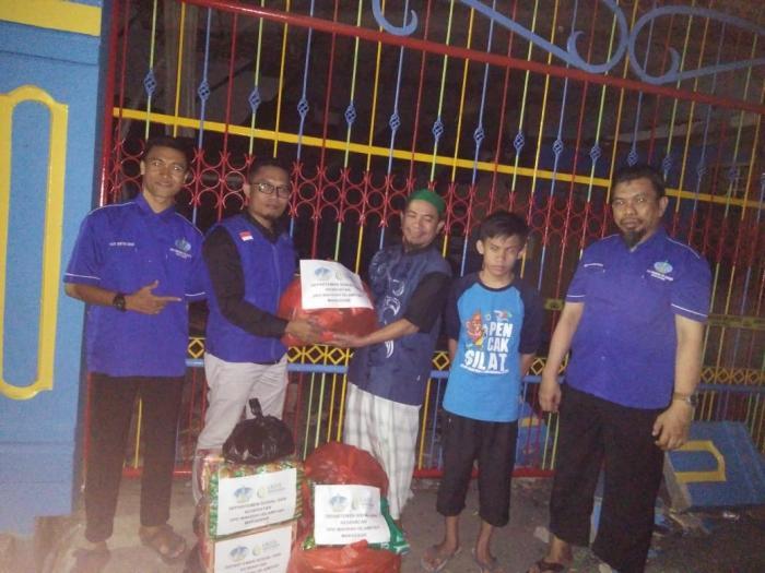 Wahdah Makassar Salurkan Bantuan kepada Korban Kebakaran BTP