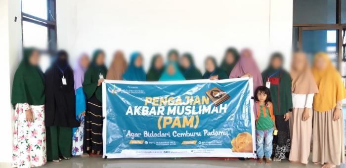 Perdana, Muslimah Barranglompo Adakan Pengajian Akbar Muslimah