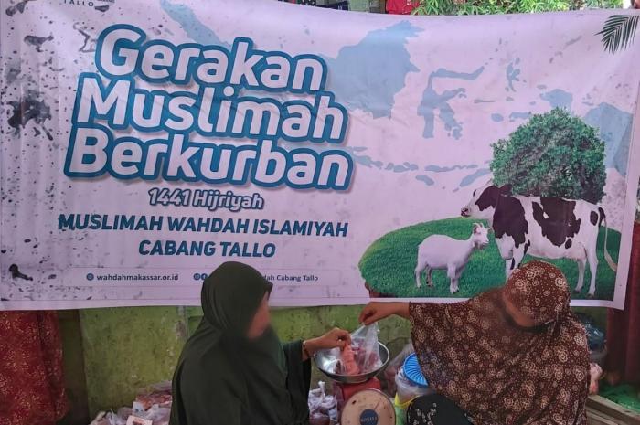 Muslimah Wahdah se-Makassar Kurbankan 42 Ekor Sapi