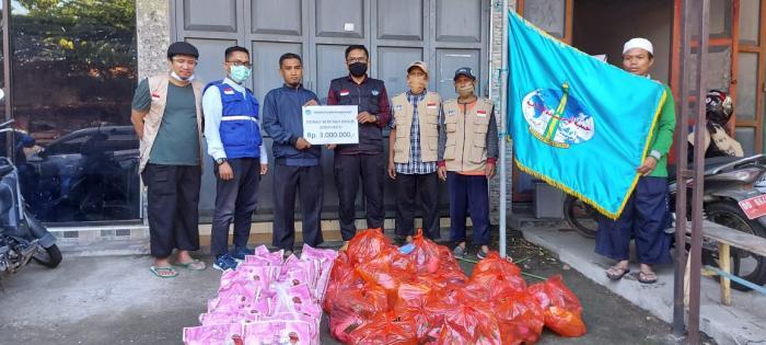 Bantu Korban Banjir Bandang Jeneponto-Banteng, Wahdah Islamiyah Makassar Salurkan Bantuan Uang Tunai dan Sembako